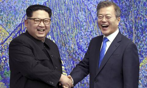 Βόρεια και Νότια Κορέα επαναφέρουν τις γραμμές άμεσης επικοινωνίας