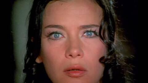 Τζένη Καρέζη: Σαν σήμερα έκλεισαν για πάντα τα πιο όμορφα μάτια του ελληνικού σινεμά