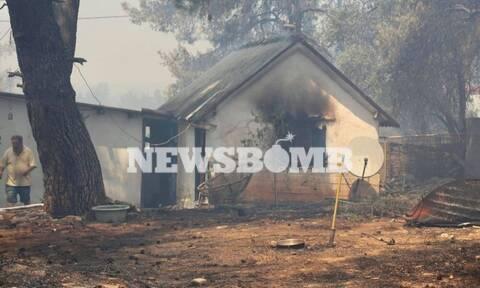 Φωτιά στη Σταμάτα - Ρεπορτάζ Newbomb.gr: Κάηκαν σπίτια και αμάξια στη Ροδόπολη (pics + vid)