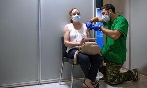 Εμβολιασμός: Στο «τραπέζι» η χορήγηση τρίτης δόσης – Ποιοι θα τη χρειαστούν
