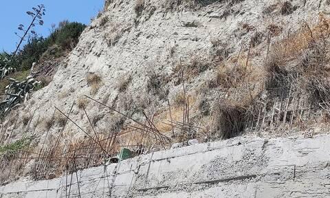 Ζάκυνθος: 17χρονος τουρίστας έπεσε από γκρεμό και καρφώθηκε σε σιδερόβεργα - Σώθηκε από θαύμα