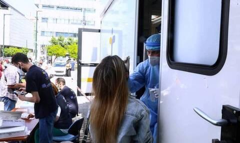 993 νέες μολύνσεις στην Αττική, 308 στη Θεσσαλονίκη και 281 στην Κρήτη