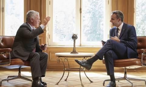 Μητσοτάκης σε βασιλιά Αμπντάλα: Η Ελλάδα δωρίζει 150.000 εμβόλια στην Ιορδανία