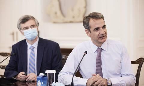 Πανδημία: Ανησυχία στην κυβέρνηση για τα νησιά - Το «καμπανάκι» για Ίο και ο δύσκολος 15Αύγουστος