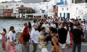 Ξεπέρασαν τα 5 εκατ. οι πλήρως εμβολιασμένοι - Συναγερμός για τα νησιά που κινδυνεύουν με lockdown