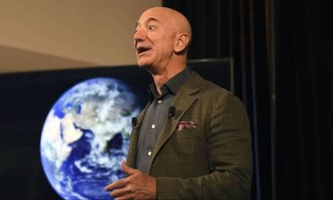 Jeff Bezos: Δεν θα πιστεύεις με ποιον είναι φτυστός - Άπειρο γέλιο