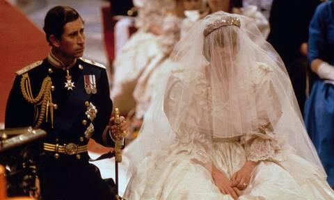 Diana - Κάρολος: 40 χρόνια από τον καταραμένο βασιλικό γάμο (photos)