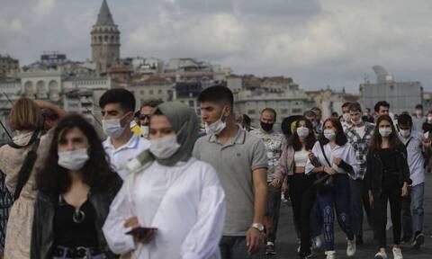 Ασταμάτητος ο κορονοϊός στην Τουρκία: 60 θάνατοι και πάνω από 22.000 κρούσματα σε 24 ώρες