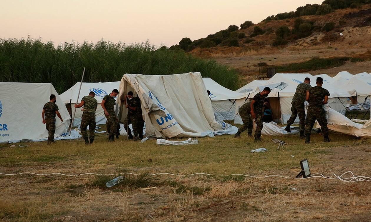Οι άγνωστοι ήρωες των προσφύγων και μεταναστών στην Ελλάδα - Η πολύτιμη βοήθεια των Ενόπλων Δυνάμεων