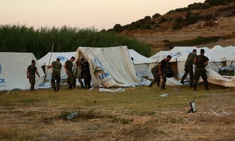 Οι άγνωστοι ήρωες των προσφύγων και μεταναστών στην Ελλάδα – Η πολύτιμη βοήθεια των Ενόπλων Δυνάμεων
