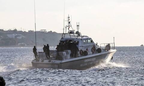 Σε εξέλιξη οι έρευνες για τον εντοπισμό τριών αγνοουμένων στη θάλασσα βόρεια της Μυτιλήνης