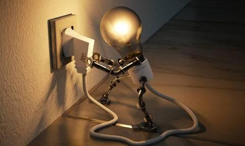 Αυξήσεις από αύριο (1/8) στους λογαριασμούς ρεύματος - Δείτε αναλυτικά
