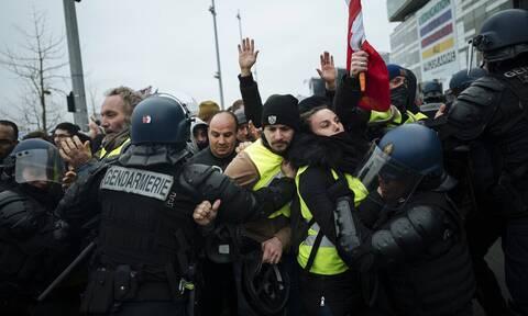 Κορονοϊος - Γαλλία: Διαδηλώσεις στο Παρίσι και σε άλλες πόλεις κατά του πιστοποιητικού υγείας