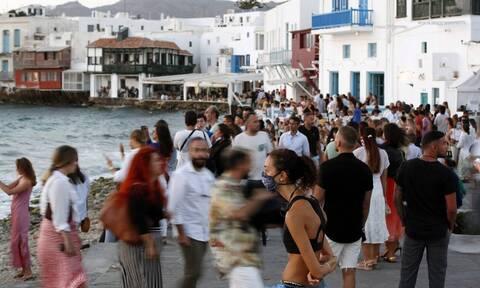 Κορονοϊος: Πώς εξαπλώνεται η πανδημία στα «κόκκινα» νησιά - Τα κορονοπάρτι στο στόχαστρο των Αρχών