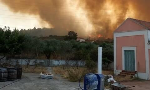 Φωτιά στη Ρόδο: Ανεξέλεγκτες διαστάσεις παίρνει το μέτωπο - Εκκενώθηκε οικισμός