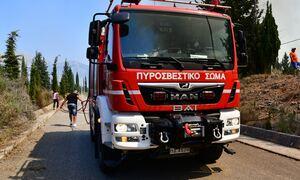 Φωτιά ΤΩΡΑ στη Λούτσα - Στις φλόγες αποθηκευτικός χώρος
