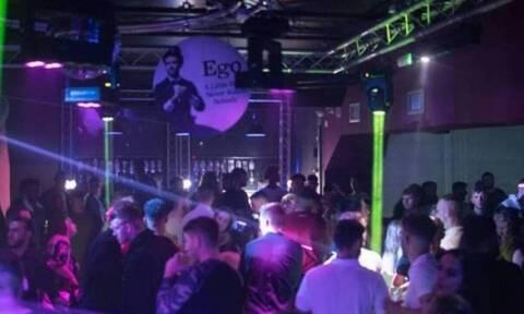 Πάρος: Κλείνουν τα μπαρ και τα κέντρα διασκέδασης