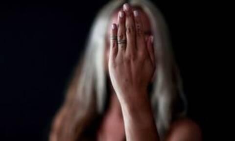 Δεκατέσσερις συλλήψεις και 30 καταγγελίες για ενδοοικογενειακή βία σε ένα 24ωρο