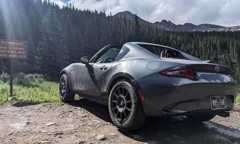 Ένα τρελό Mazda MX-5 πήρε τα βουνά!