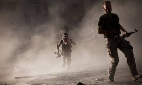 Συρία: O συριακός στρατός κλιμακώνει την επίθεση στη Ντεράα