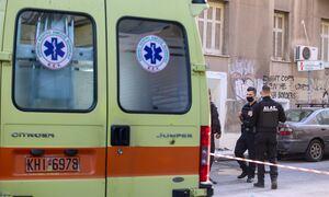 Τραγωδία στα Κάτω Πατήσια: Πιθανώς εκτινάχτηκε ή πήδηξε στο κενό το ένα από τα δύο θύματα της φωτιάς