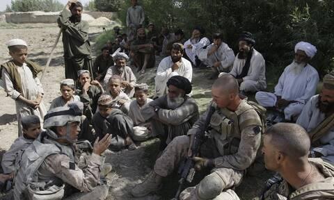 Αφγανιστάν: Η «αιφνιδιαστική αποχώρηση» των ΗΠΑ ευθύνεται για την κατάσταση στη χώρα λέει ο πρόεδρος