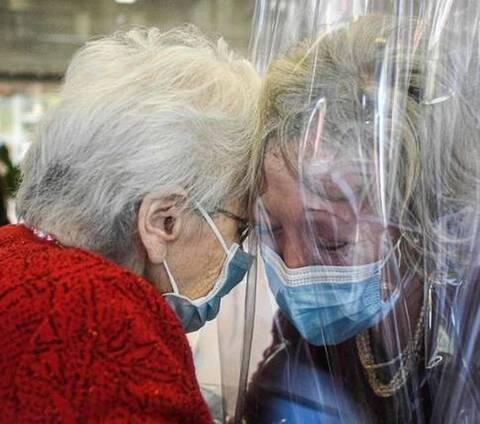 Ιταλία: Επισκέψεις σε νοσοκομεία και γηροκομεία με το «πράσινο πάσο»