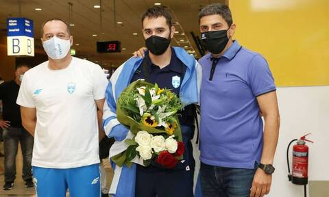 Θοδωρής Ιακωβίδης: Τον υποδέχθηκε στο αεροδρόμιο ο Λευτέρης Αυγενάκης (photos)