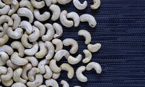 Κάσιους: Τα μοναδικά οφέλη του αγαπημένου ξηρού καρπού (video)