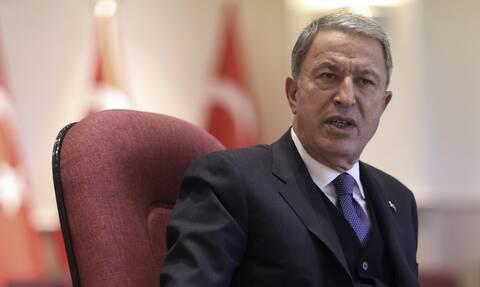 «Εμπρηστικός» ο Ακάρ: Η Ελλάδα απειλεί την Τουρκία ενώ αυτή παλεύει με τις φωτιές
