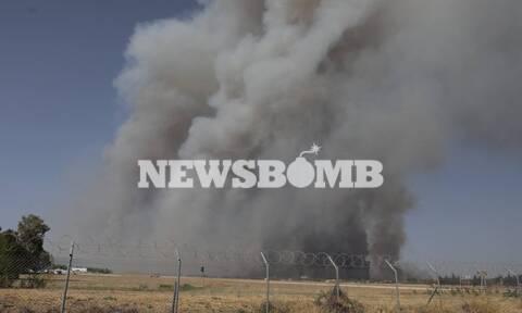 Φωτιά Βαρυμπόμπή: Συγκλονιστικό βίντεο με τις εκρήξεις μέσα στην πυρκαγιά