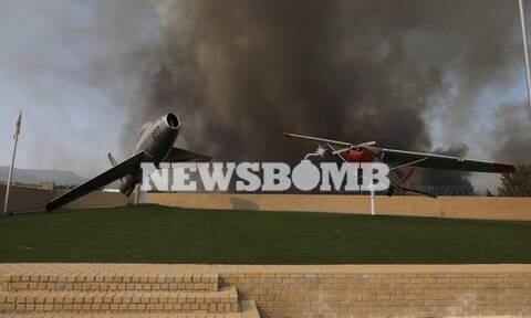 Φωτιά στη Βαρυμπόμπη: Εγκλωβισμένοι αστυνομικοί και πυροσβέστες - Σπεύδουν να τους σώσουν