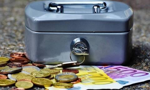 «Μπαράζ» πληρωμών: Συνεχίζονται οι πληρωμές για συντάξεις, αποζημιώσεις και επιδόματα