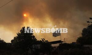 Ρεπορτάζ Newsbomb.gr - Φωτιά Βαρυμπόμπη: Κρανίου τόπος οι Αδάμες - Κάηκαν σπίτια
