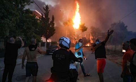 Φωτιά Βαρυμπόμπη αστυνομία