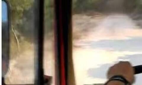 Φωτιά Βαρυμπόμπη: Βίντεο ντοκουμέντο! Πυροσβεστικό εγκλωβίζεται στις φλόγες