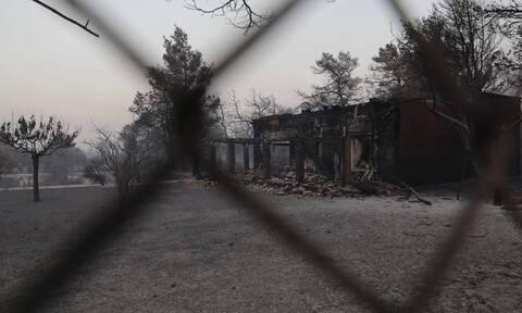 Φωτιά Βαρυμπόμπη: Κλείστηκε στο σπίτι του, γιατί δεν τον άφηναν να πάρει τα σκυλιά του
