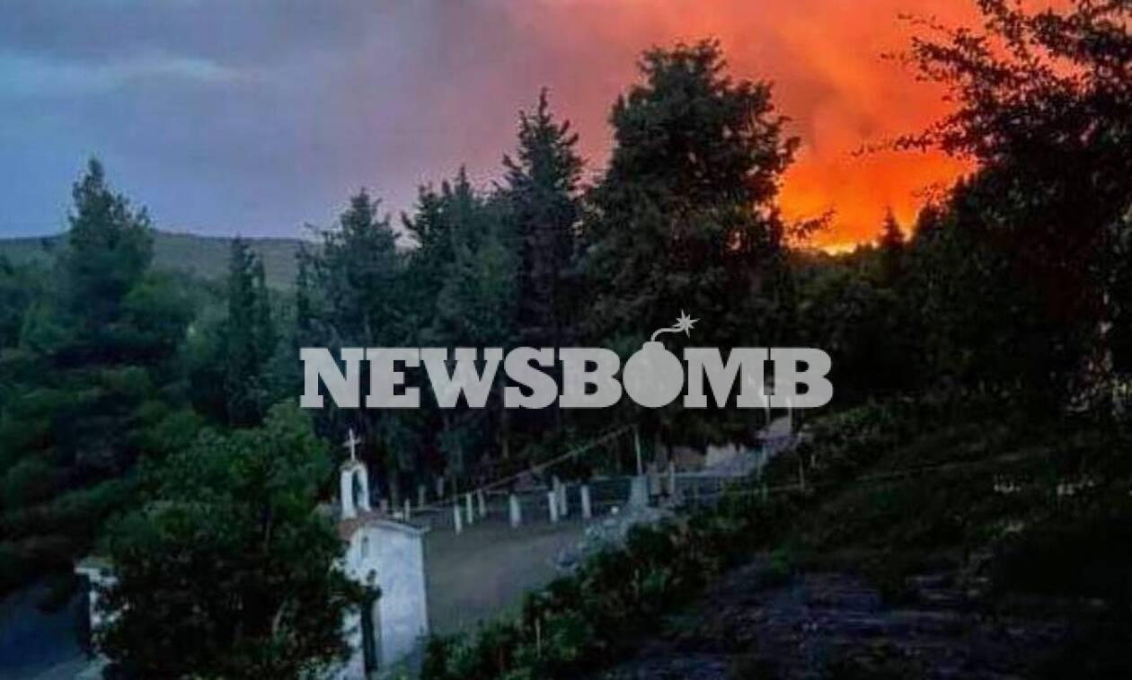 Φωτιά στην Ευβοία:  Εκκενώθηκε το μοναστήρι - Αρνούνται να το εγκαταλείψουν τρεις μοναχοί
