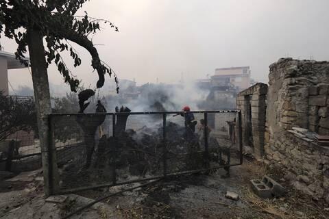 Στο επίκεντρο των ξένων Μέσων οι πυρκαγιές στην Ελλάδα: «Ακραία ζέστη, πυκνός καπνός και σιωπή»