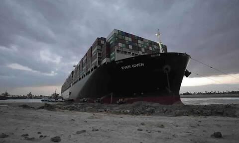 Εver Given : Το πλοίο-μεγαθήριο που «σφήνωσε» τη Διώρυγα του Σουέζ έφθασε στη Βρετανία (Βίντεο)