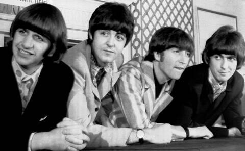 The Beatles: Στο σφυρί δύο σπάνιες χειρόγραφες setlists των θρυλικών «Σκαθαριών»