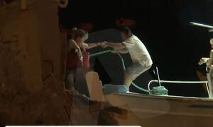 Φωτιά στην Εύβοια: Επιχείρηση με πλωτά μέσα για τον απεγκλωβισμό κατοίκων στην Αγία Άννα