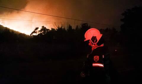 Φωτιά στην Αττική: Εκκλήση για ενίσχυση των δυνάμεων - «Οι πυροσβέστες είναι άνθρωποι, όχι μηχανές»