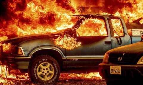 Καλιφόρνια: Πύρινη κόλαση - Η γιγαντιαία φωτιά Dixie «καταπίνει» την κοινότητα Γκρίνβιλ (Εικόνες)