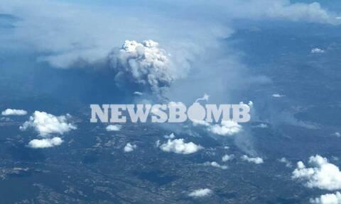 Φωτιά ΤΩΡΑ: Τρόμος και δέος! Η πύρινη κόλαση της Αττικής από ψηλά (pics + vid)