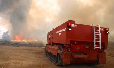 Φωτιά: Εκκενώνεται το κέντρο κράτησης στην Αμυγδαλέζα λόγω της φωτιάς στους Θρακομακεδόνες