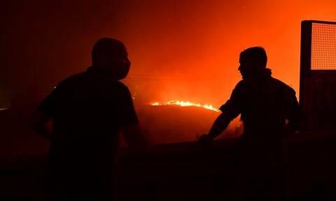Φωτιά στη Λακωνία: Δύσκολη νύχτα στην Ανατολική Μάνη - Καλύτερη η εικόνα στο Γύθειο