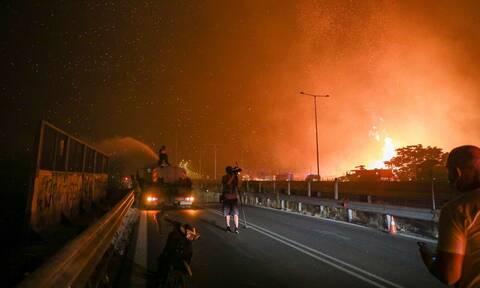Φωτιά στην Αττική: Επίθεση σε συνεργείο του OPEN στους Θρακομακεδόνες - Δείτε το βίντεο
