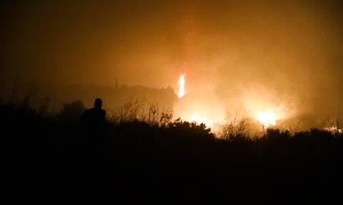 Φωτιά ΤΩΡΑ: Συνεχίζεται το μέτωπο στη Μέλπεια Μεσσηνίας – Ποιοι δρόμοι είναι κλειστοί