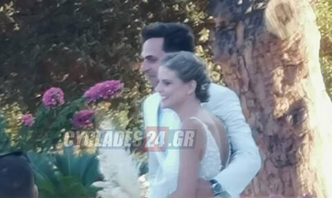 Δανάη Μιχαλάκη - Γιώργος Παπαγεωργίου: Παντρεύτηκαν στη Σύρο (vid)